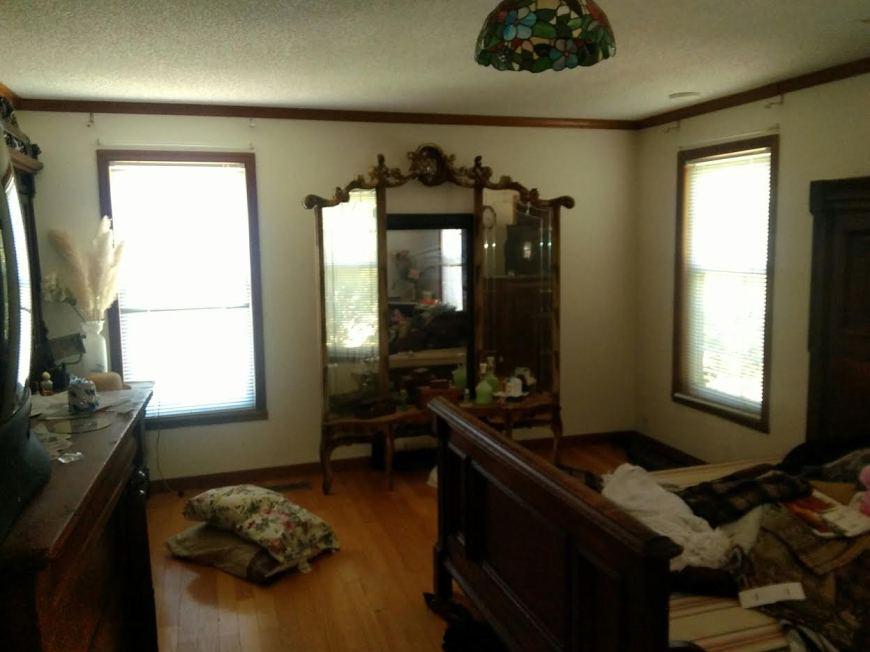 bedroomb41