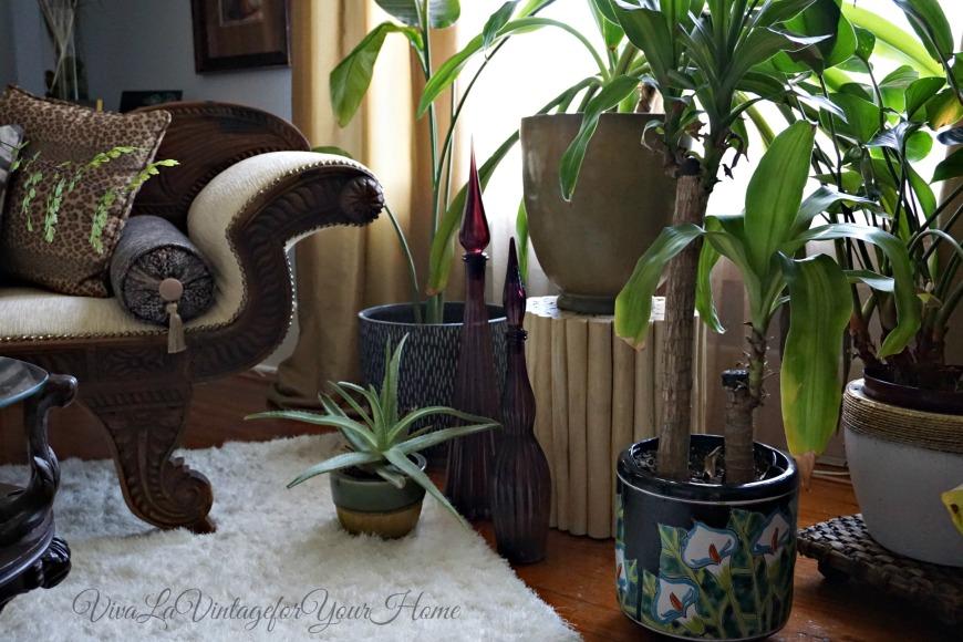 decanters10 Top Vintage Decanter Looks To Love by Jamala of Viva La Vintage